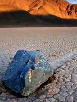 sailing_stones